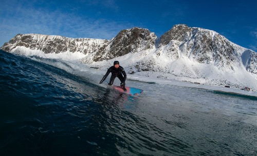 Extreme Surfing in the Arctic Circle: Pictures