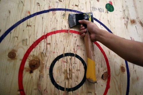 Axe throwing takes aim at sunny Los Angeles