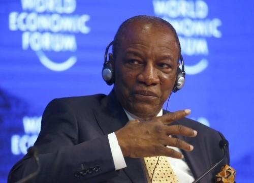 رئيس غينيا يقيل وزراء بعد احتجاجات دموية