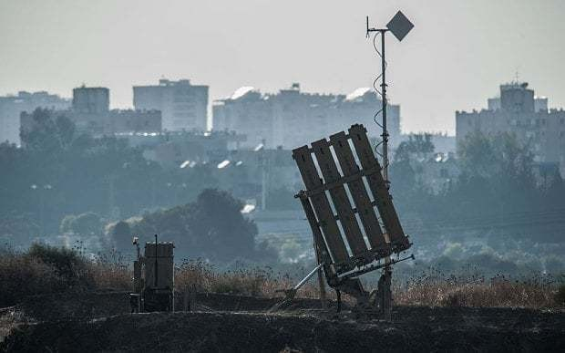 Israel bombs Gaza in response to attacks by pro-Isil group
