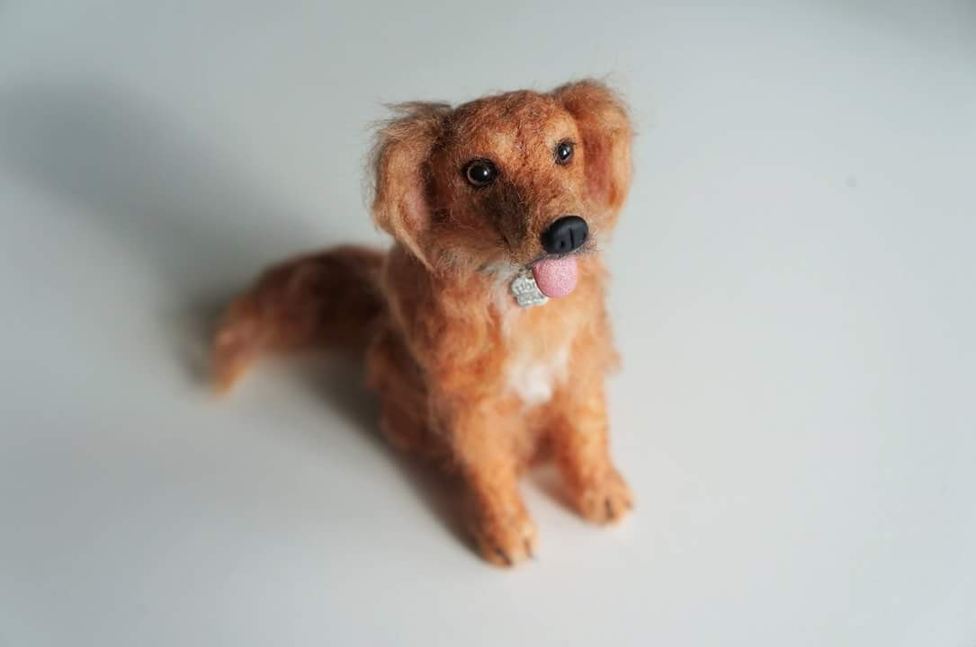 Needle felted golden #Retriever. 4 inches tall. #janetsneedlefelting #petportrait #goldenretriever