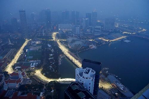 Singapore F1 organisers stock up on anti-smog masks