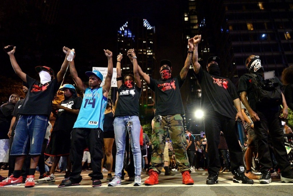 Charlotte police officer who fatally shot Keith Scott 'acted lawfully,' won't be charged