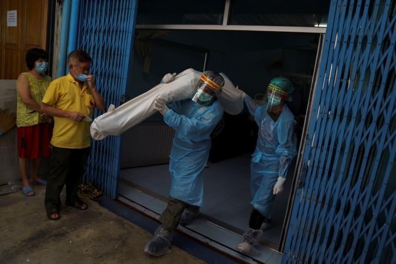 Calls to suicide helpline show Thais' stress in downturn