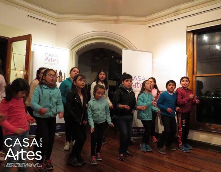 Entusiasta Muestra Coral Infantil. A cargo de la profesora Yamila Elgueta, esta es otra de las actividades gratuitas ofrecidas por la Casa de las Artes.