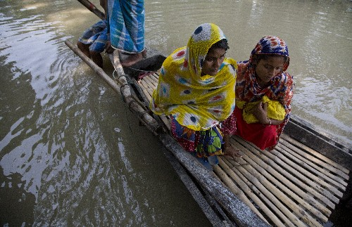 Monsoon flooding death toll rises to 152 in South Asia