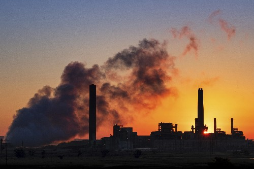 EPA defies climate warnings, gives coal plants a reprieve