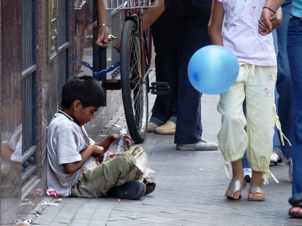 How Poverty Alters the Young Brain