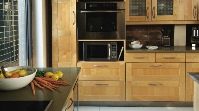 Le style de bois. Armoires en tiroirs!