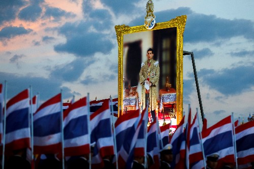 Thai opposition protests emergency troop transfer to king