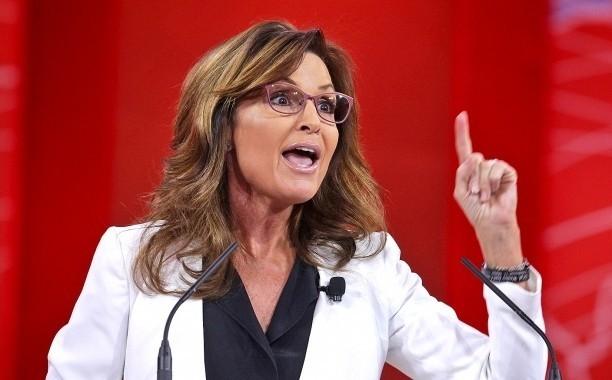 Sarah Palin calls out Lena Dunham amid Duggar family controversy: 'You pedophile, you'