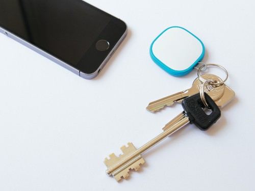 Magpie is a tiny GPS tracker for kids, dogs, or luggage that will work anywhere in the world