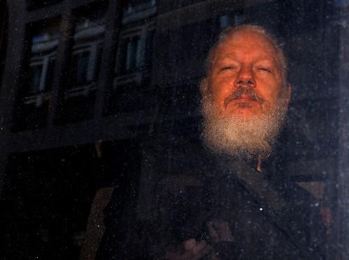"""Assange sufrió tortura psicológica, tendría """"espectáculo judicial"""" en EEUU: relator ONU"""