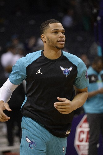 Walker pours in 31 as Hornets down Wolves