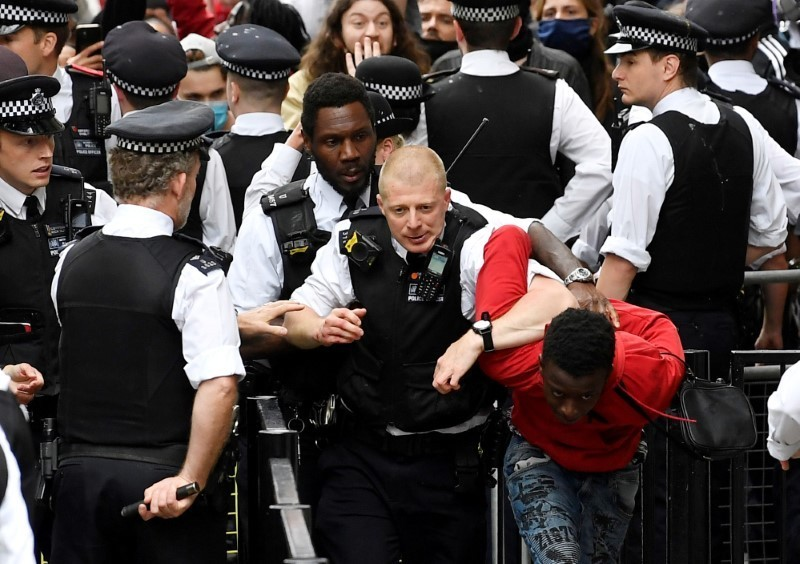 'No justice, no peace': Tens of thousands in London protest death of Floyd