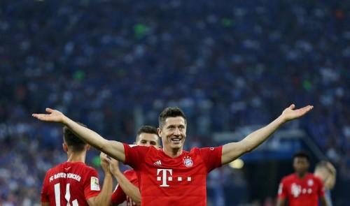 Un Lewandowski en feu porte le Bayern