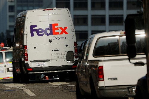 FedEx falls on 2019 forecast cut, multiple brokerages lower price target
