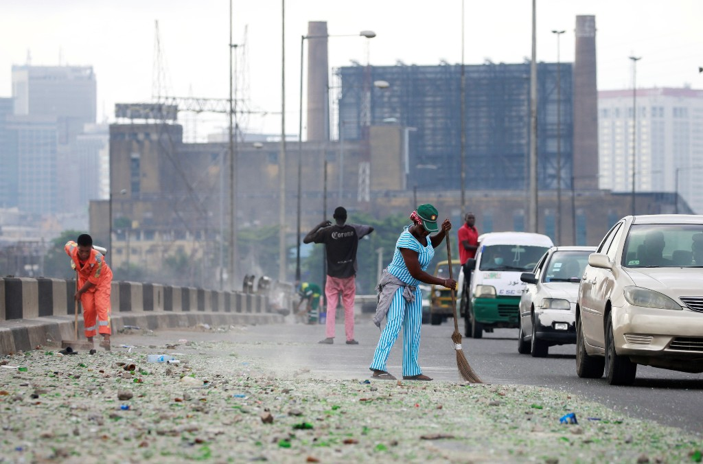 Nigerian police mobilize to quell worst unrest in two decades