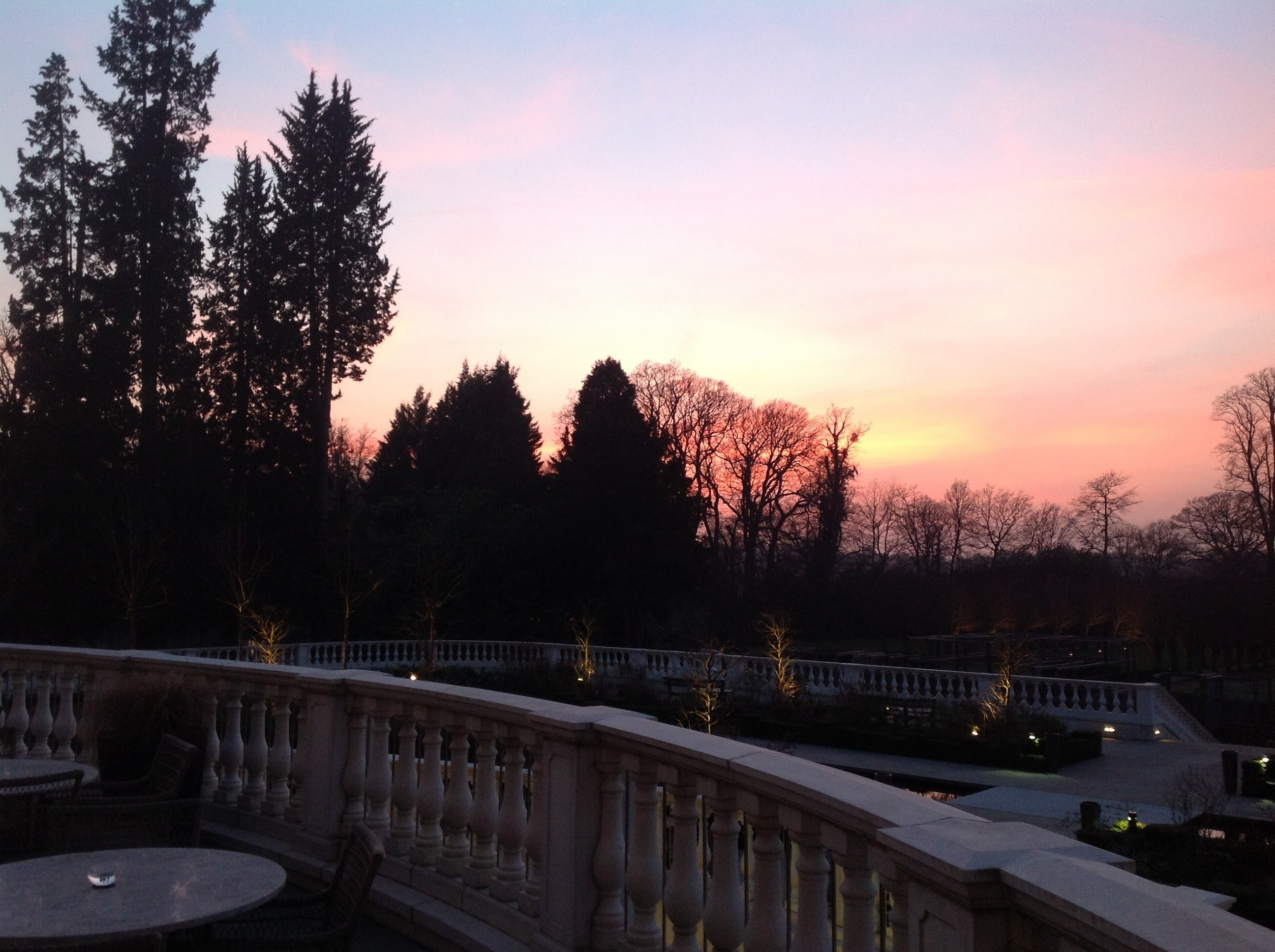 Happy #EarthDay! Here's a pretty sunset from @CoworthParkUK