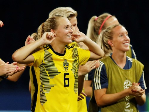 Soccer: Canada rues 'Gretzky' moment during World Cup exit