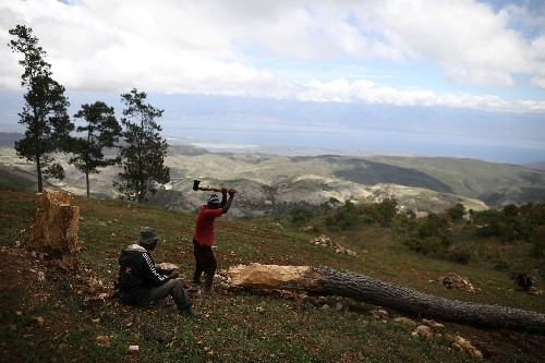 Haitians abandon forgotten town, isolated for over a decade