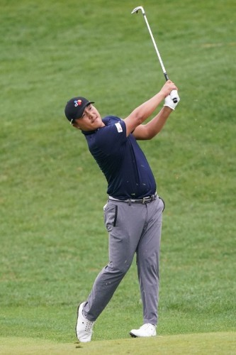 South Korean rookie Lee grabs share of Connecticut lead