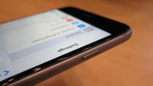 Apple Loop: Samsung Beats Apple Meme, iOS Wins Christmas, iPhone 6 Plus Is 2014's Best Smartphone