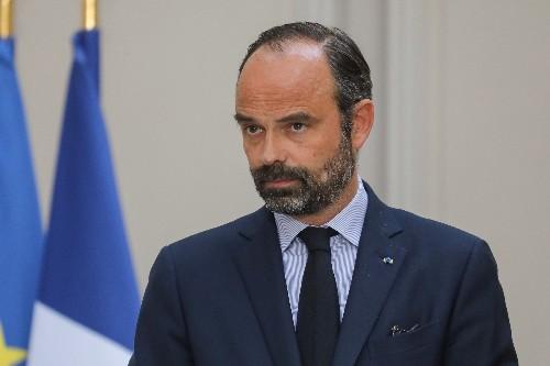 """A Orly, Philippe appelle à la """"sérénité"""" sur ADP"""