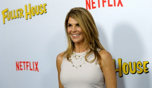 Actress Lori Loughlin among parents to face U.S. college scam trial in October