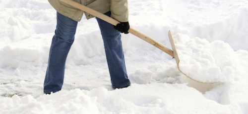 How This Realtor Is Outsmarting His Competitors With a Snow Shovel