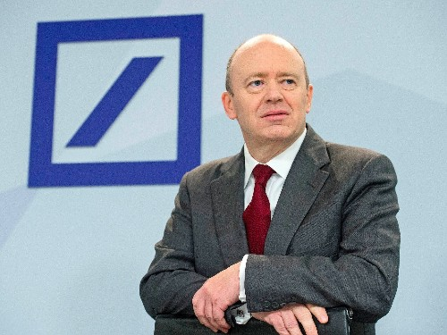 Deutsche Bank CEO John Cryan explained his 2 key strategies for turning the bank around