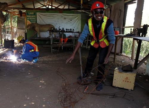 Kenyan sculptor turns scrap metal into art with a message