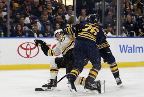 Bruins shake off blowout loss, smash Sabres