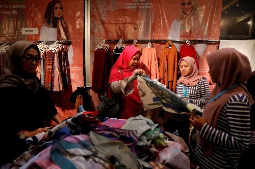 Ground shifts in Indonesia's economy as conservative Islam takes root