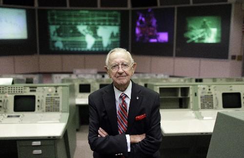 Chris Kraft, 1st flight director for NASA, dies at 95