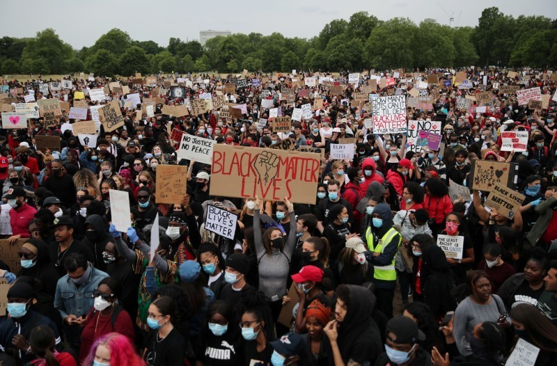 Tausende protestieren im Londoner Hyde Park gegen Rassismus