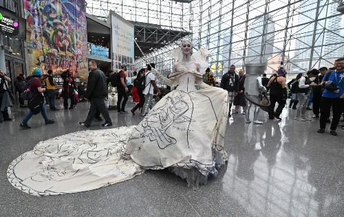 Early Halloween? No, It's New York Comic Con: Pictures
