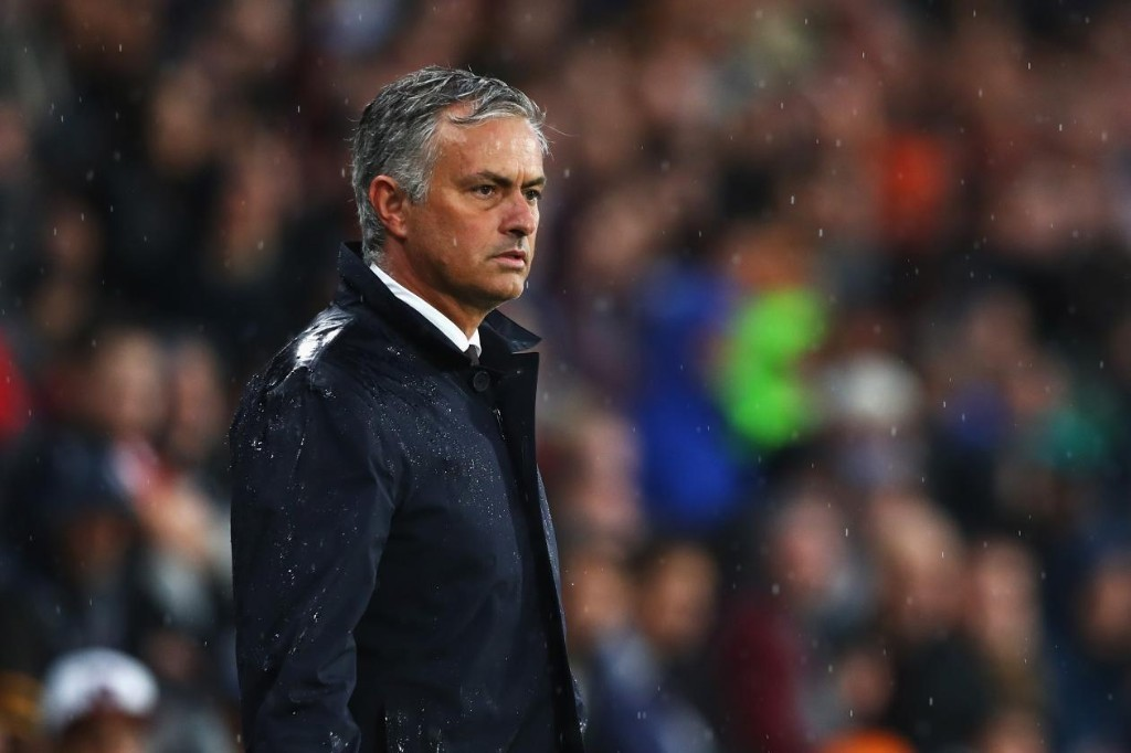 Jose Mourinho to Reportedly Ask Pep Guardiola for a Drink After Manchester Derby