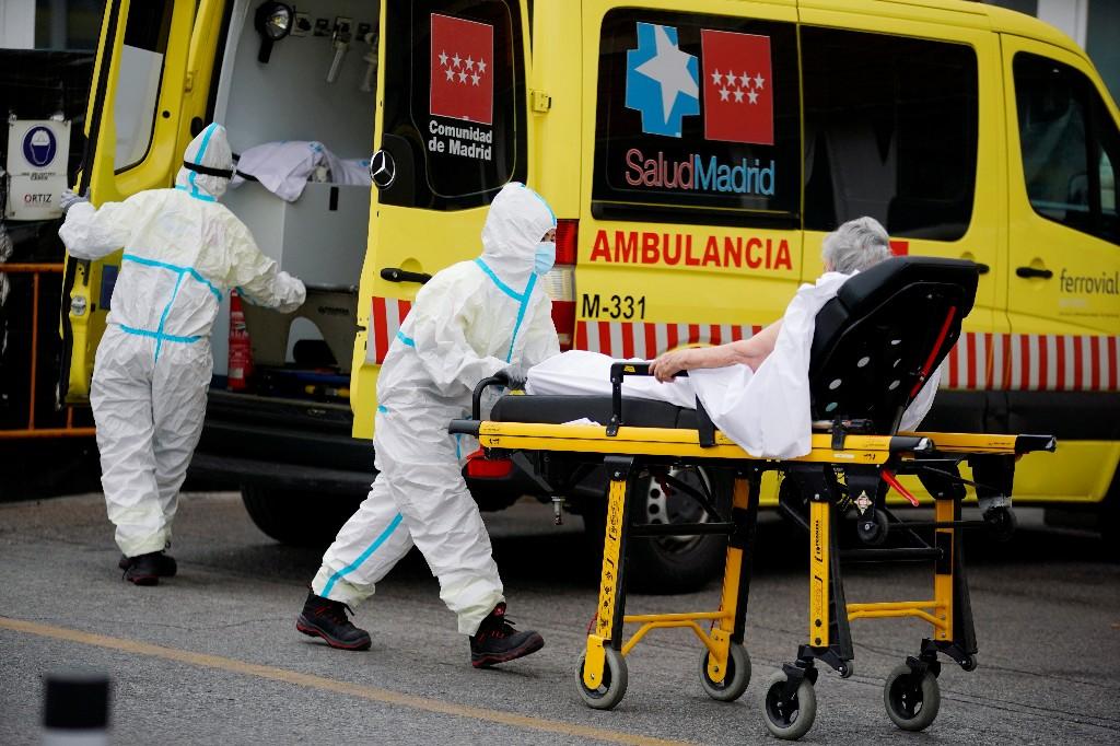 Spain defends pandemic response as case numbers overtake Britain
