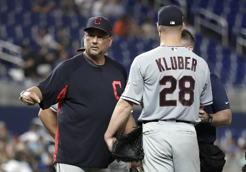 Indians' Kluber breaks right forearm in 4-2 loss to Marlins