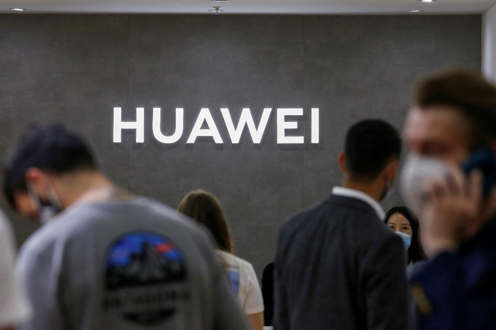 Huawei third-quarter revenue rises 3.7%, ending double-digit growth streak