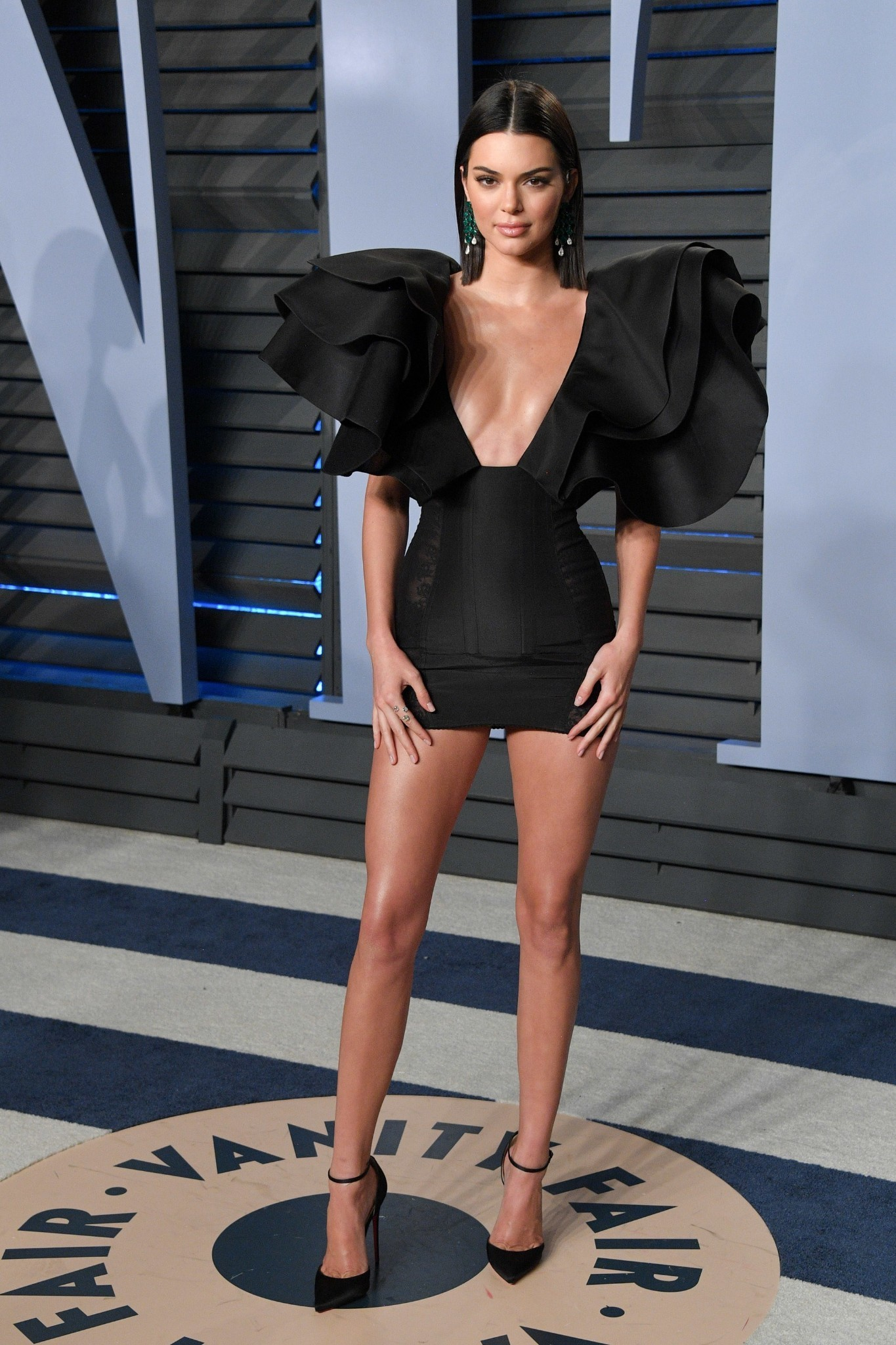 Oscars 2018: Kendall Jenner Wears Black Redemption Dress to the Vanity Fair Oscars Party