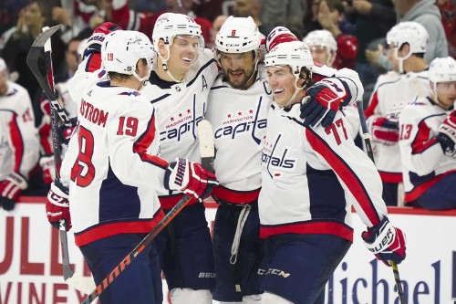 Ovechkin's 2nd straight hat trick leads Caps over Hurricanes