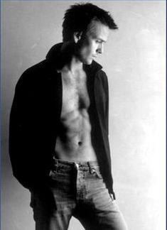 Sean Patrick Flanery.