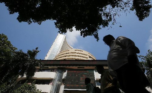 Sensex, Nifty slump over 1.5% as government offers few hints of stimulus