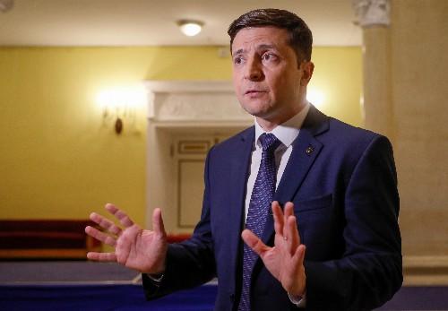 Comedian Zelenskiy strengthens Ukraine presidential poll lead