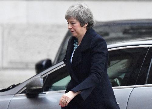 May verschiebt Brexit-Abstimmung wegen Nordirland-Problem