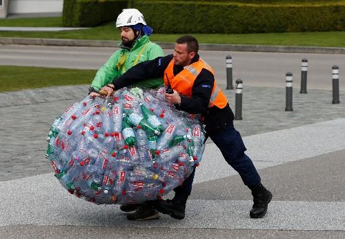 Greenpeace - Coca-Cola und Nestle sind größte Plastikverschmutzer
