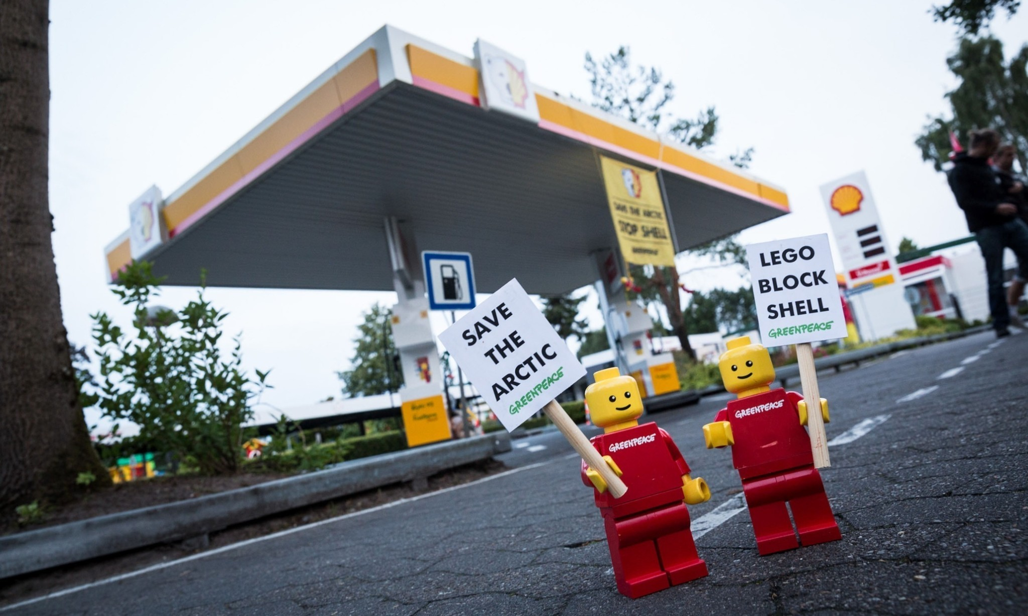 Lego ends Shell partnership following Greenpeace campaign
