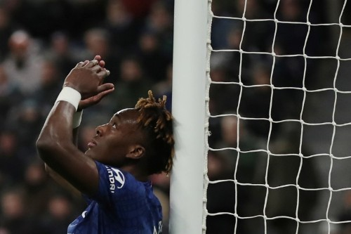 Abraham needs support from fellow strikers as wasteful Chelsea slip up at Newcastle